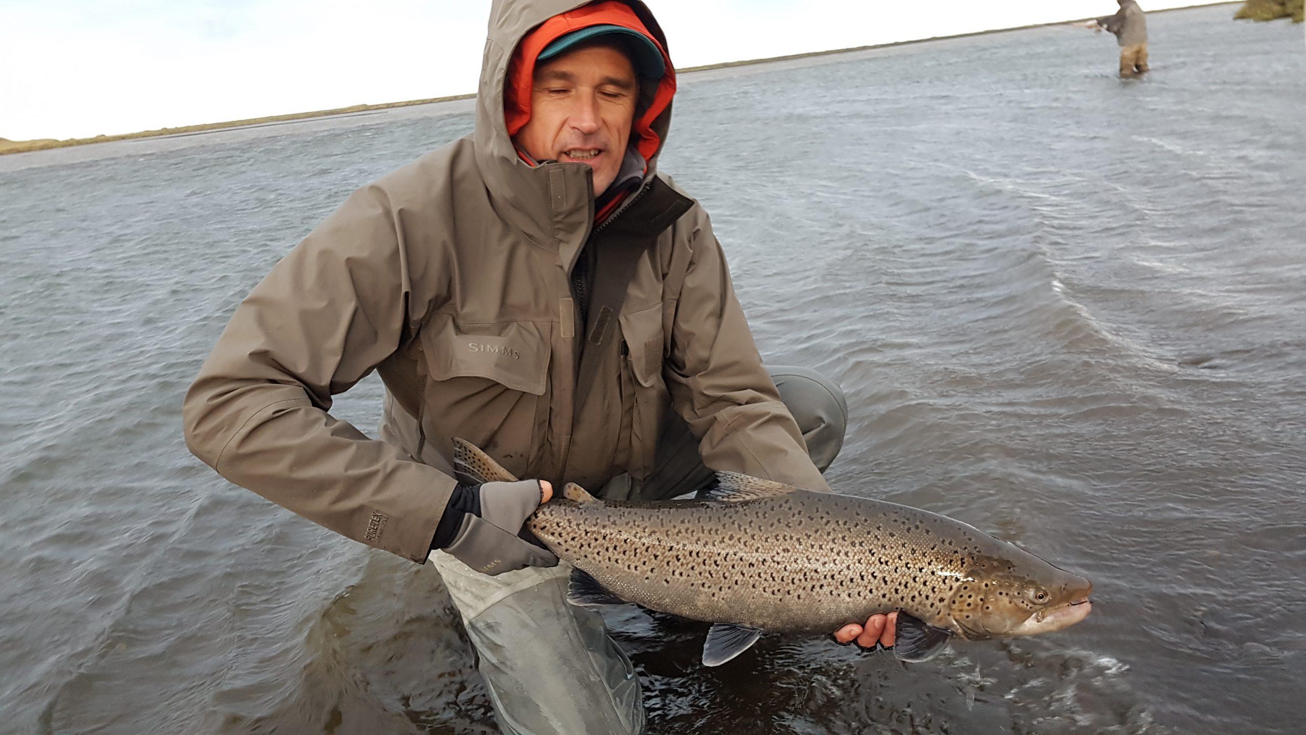 Viajes de pesca de reo en Islandia