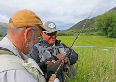 Con el guía de pesca en NZ